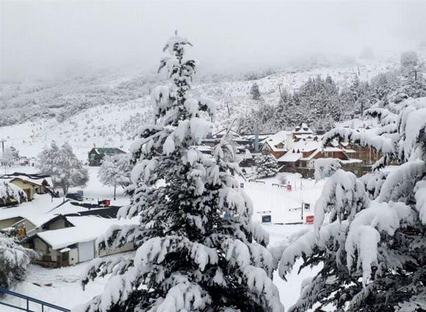 La gran nevada anticipa una buena temporada de esquí en Bariloche