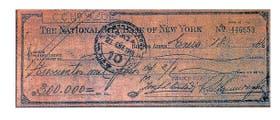 El cheque que firmaron los empresarios, como muestra la imagen, era por 300.000 pesos moneda nacional; a valores de hoy, más de 7.500.000 pesos