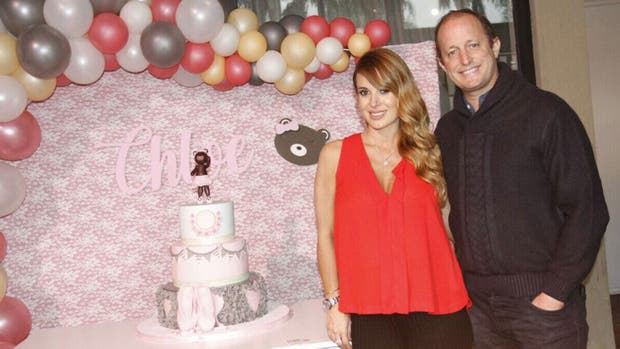 Jesica Cirio y Matín Insaurralde en el baby shower de la bebita que esperan, Chloe