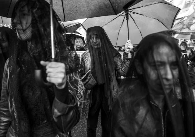 Marcha en protesta por el asesinato de una chica de 16 años en Mar del Plata