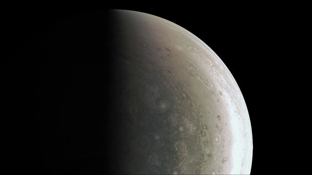 El polo norte de Júpiter, en una inédita toma