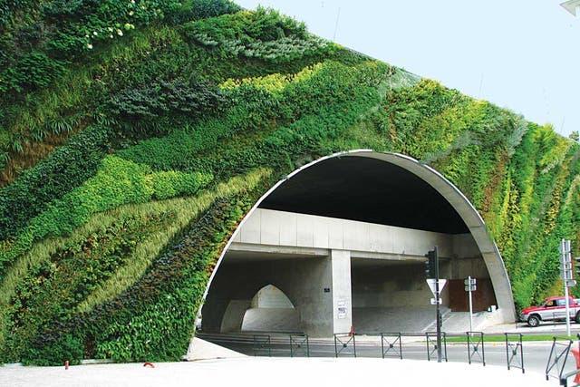 En túneles, también. Pont Max Juvenal, en Aix-en- Provence, Francia