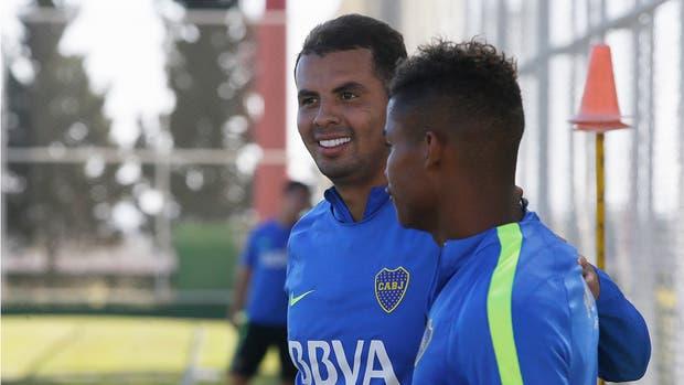 Edwin Cardona con su compatriota Wilmar Barrios, en un entrenamiento en Ciudad del Este