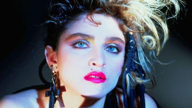 Enojada por película no autorizada sobre su vida — Madonna