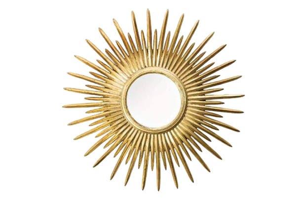 Espejo colgante con forma de sol (Salazar Casa).