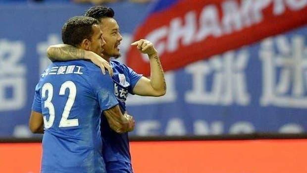 Tevez volvió a marcar un gol en el Shanghai Shenhua