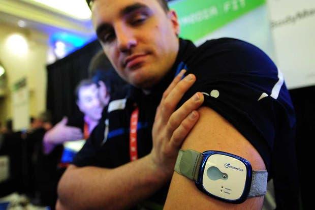 Presentado en la feria CES, Bodymedia es un dispositivo que permite calcular la actividad física