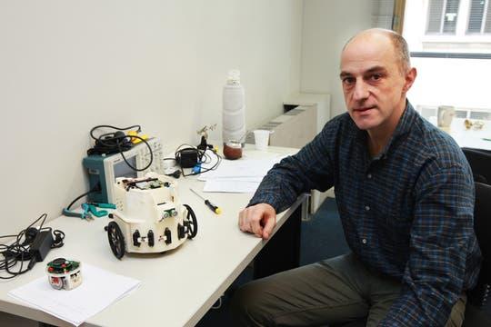 Juan Santos, director del Centro de Inteligencia Computacional (CIC) del ITBA. Foto: LA NACION / Sebastián Rodeiro
