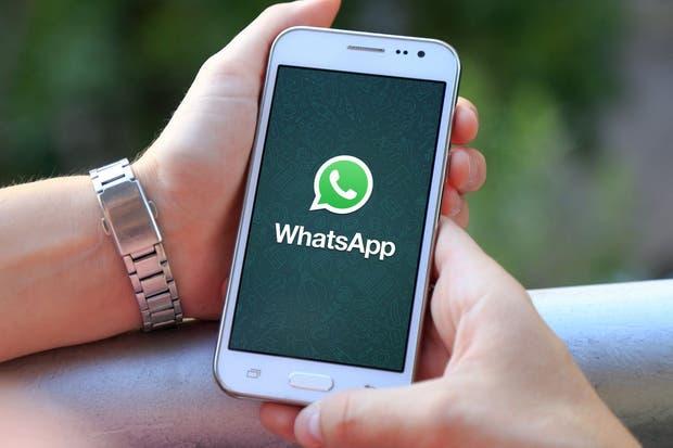 Un equipo de investigadores australianos afirma que el cifrado de Whatsapp no evita que alguien pueda sumarse sin autorización; la compañía considera que es improbable que suceda