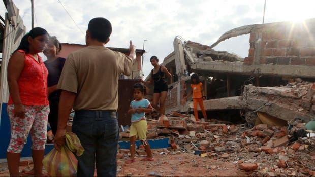 Muchos ecuatorianos ya no cuentan con una casa donde vivir tras el sismo que afectó el norte del país