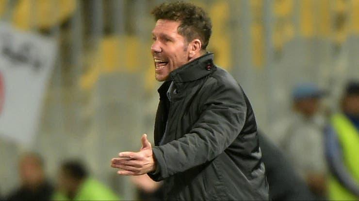 Con toda la pasión: así lo vive Simeone, incluso en un amistoso entre Atlético de Madrid y Al-Ahly , en Egipto