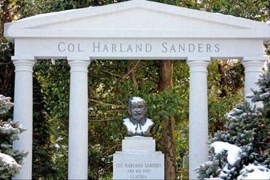 El Coronel Sanders falleció en Kentucky, a los 90 años, un 16 de diciembre de 1980, a causa de leucemia
