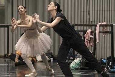 Paloma Herrera junto a la bailarina, Macarena Giménez