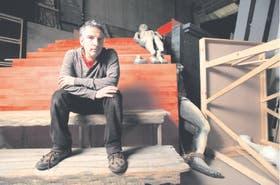Martín Liut, en las entrañas del teatro platense