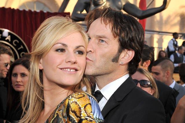 """Desde el piloto de """"True Blood"""" algo los unió, hoy Stephen Moyer y Anna Paquin están casados y tienen hijos"""