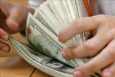 El dólar sube y dilata la adhesión al blanqueo