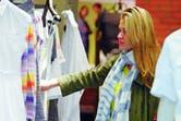 """Carla Pereyra, la novia de Diego Simeone, en una tarde de shopping """"pre-mamá"""""""