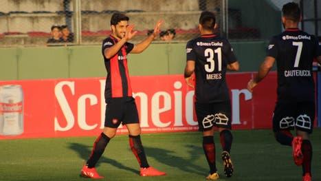 Nico Blandi marcó dos goles en el triunfo del Ciclón