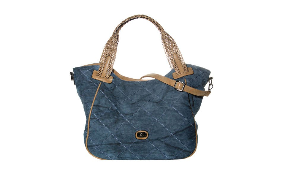 Bolso (XL Extra Large, $1350).