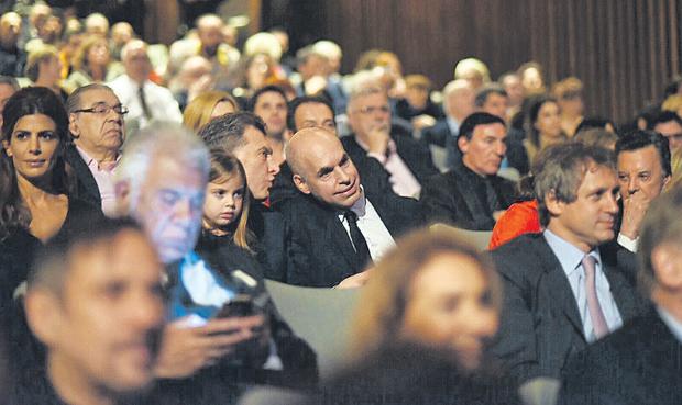 Platea vip: Awada, Pinti, Lavié, Macri, Antonia, Rodríguez Larreta, Selva Alemán y Palito Ortega