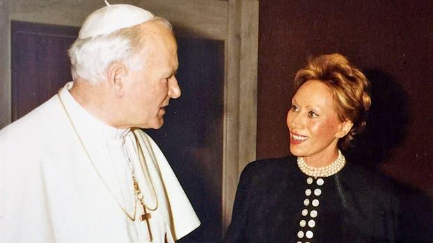 Junto a Papa Juan Pablo II. Foto: Gentileza Clarín