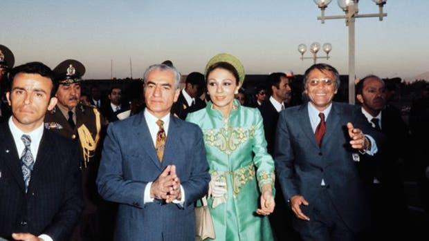 El sha buscaba consolidar su imagen como rey de reyes en Irán y a Irán como un país digno de ocupar los niveles internacionales más altos.