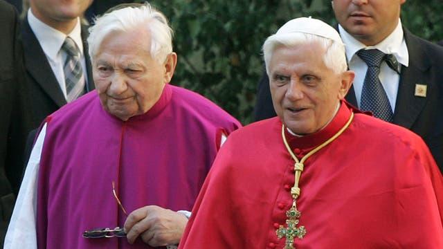 Denuncian que más de 500 chicos fueron abusados en un coro católico dirigido por el hermano de Benedicto XVI