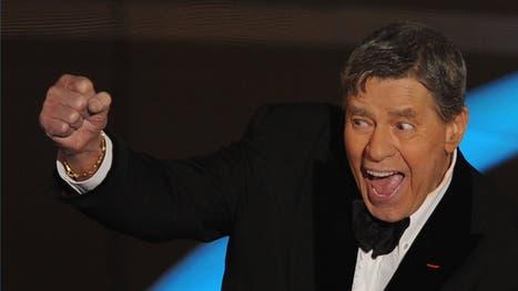 Jerry Lewis al recibir su Oscar honorario, en 2009