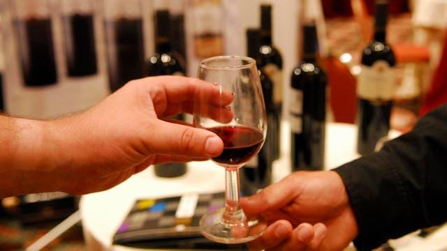 """Los productores de vino sostienen que es un alimento """"saludable"""""""