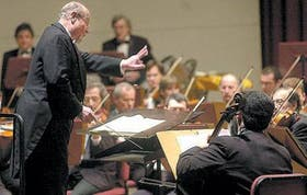 El director, al frente de la Orquesta Sinfónica Nacional, fue el artífice de un concierto memorable