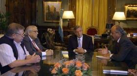 El presidente Kirchner encabezó una reunión con el titular de la Cámara del Plástico y el presidente del Sindicato del Plástico