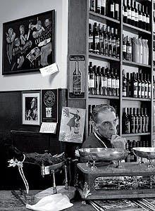 Porciones abundantes, influencias italiana y española y mozos con oficio. El crítico y periodista Pietro Sorba se dedicó a indagar el universo de los bodegones. Dónde ir y qué pedir.