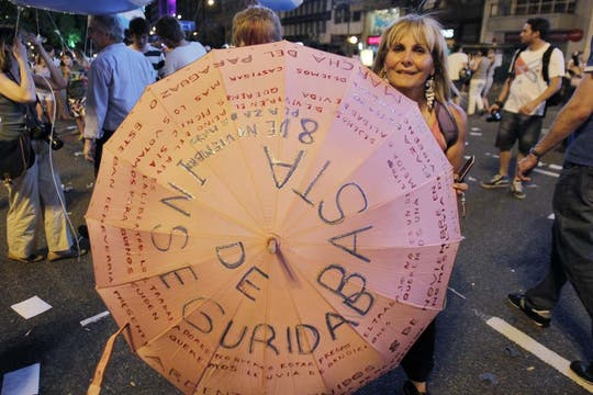 La ocurrencia y originalidad de los que participaron en la protesta del #8N. Foto: EFE