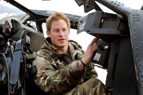 El principe Harry estuvo como copiloto artillero en un helicóptero de combate Apache