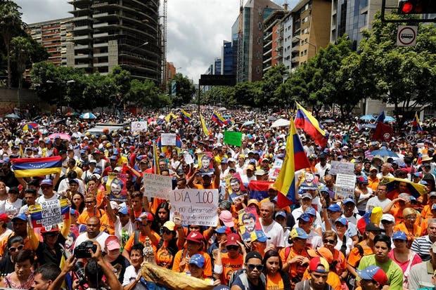 La marcha opositora en Caracas, tras 100 días de protestas