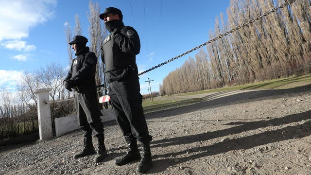 Santiago Maldonado fue visto por última vez el 1 de agosto; hay dos expedientes: el de habeas corpus y el de desaparición forzada