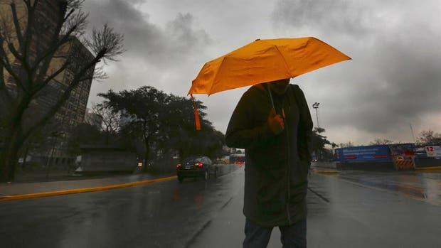 Diluvio y alerta meteorológico en la ciudad de Buenos Aires, Conurbano y gran parte del país