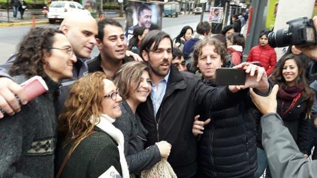 El candidato a diputado Nicolás del Caño, durante el lanzamiento de campaña del FIT