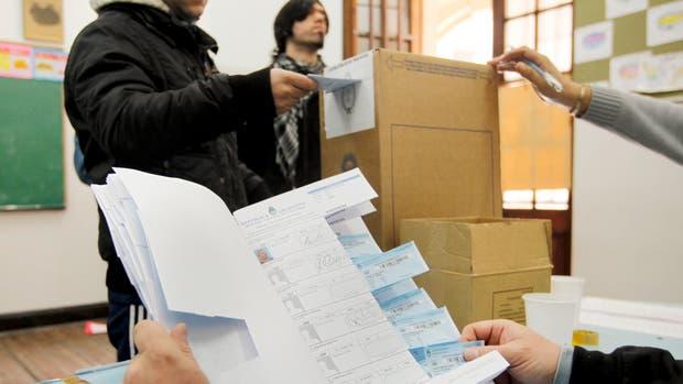 El gobierno buscará que la concurrencia a las urnas en las PASO supere el 75%