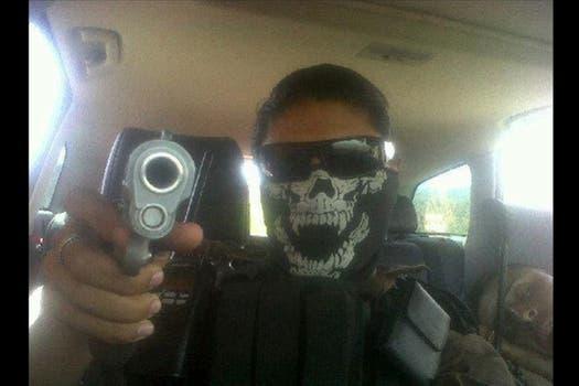 Banderas, retratado esta vez en el interior de un coche. La fiscalía de Michoacán, el territorio donde opera el cártel para el que supuestamente trabaja, dice no tenerlo identificado..