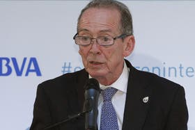 El director de la RAE, José Manuel Blecua, encabezó la presentación en Madrid