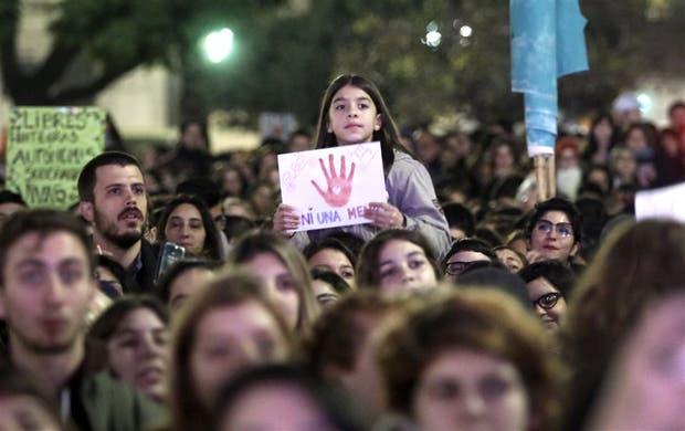 """""""¡Ni una menos, vivas nos queremos!"""", fue uno de los cánticos que se escucharon en la marcha"""
