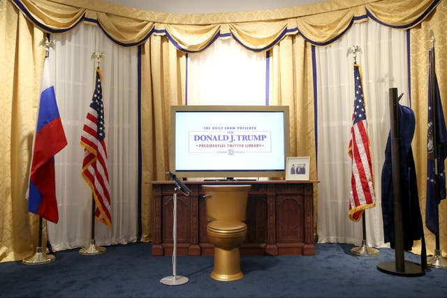 Los tweets de Donald Trump son el centro de una muestra paródica en Nueva York