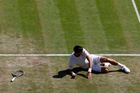Djokovic sufrió una inesperada caída en Wimbledon