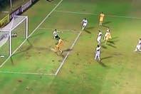 El increíble gol que se perdió Chávez ante Olimpia