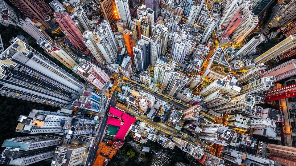 Hong Kong visto desde un drone. El trabajo fotográfico de Andy Yeung para su obra Urban Jungle