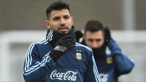 Con equipo definido, Argentina entrenó bajo la nieve