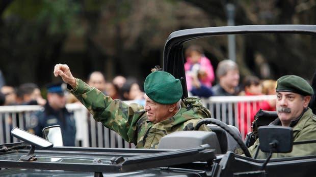 Aldo Rico defendió su participación en el desfile por el Bicentenario de la Independencia