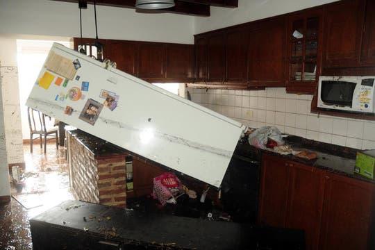 Cayeron 181 milímetros de agua, una cifra récord, que inundaron zonas densamente pobladas de la ciudad; la peor catástrofe de La Plata. Foto: DyN
