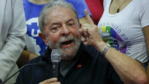 Lula hizo una amplia declaración, acusando al fiscal del caso de montar un show mediático foto